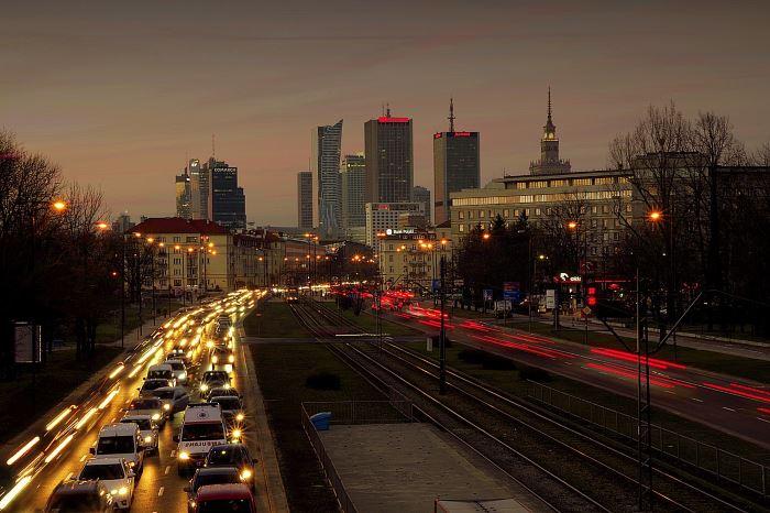 Policja Warszawa: Pracownicy magazynu firmy kurierskiej odpowiedzą za kradzież przesyłek