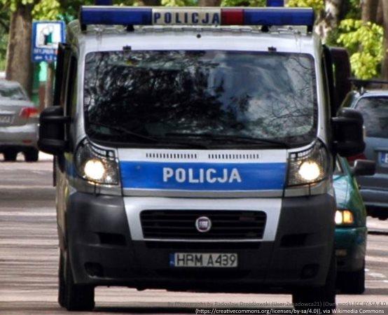 Policja Warszawa: Odzyskano skradzioną mazdę, zatrzymano podejrzewanego